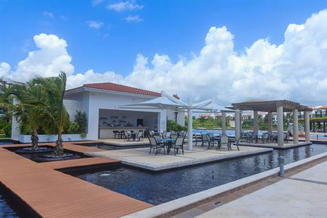Beachfront condo in Mareazul, luxury in Playa del Carmen real estate