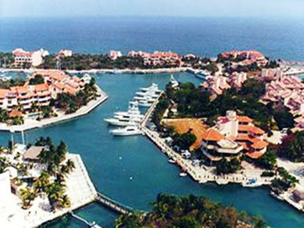 BEAUTIFUL PUERTO AVENTURAS CONDO FOR SALE*, Suite D-103